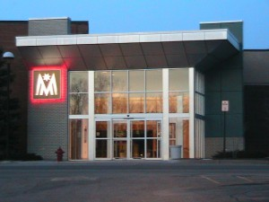 Meridian_Mall_Side_Entrance-Okemos,_Michigan